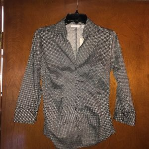 NWT Black & white pattern fitted button down